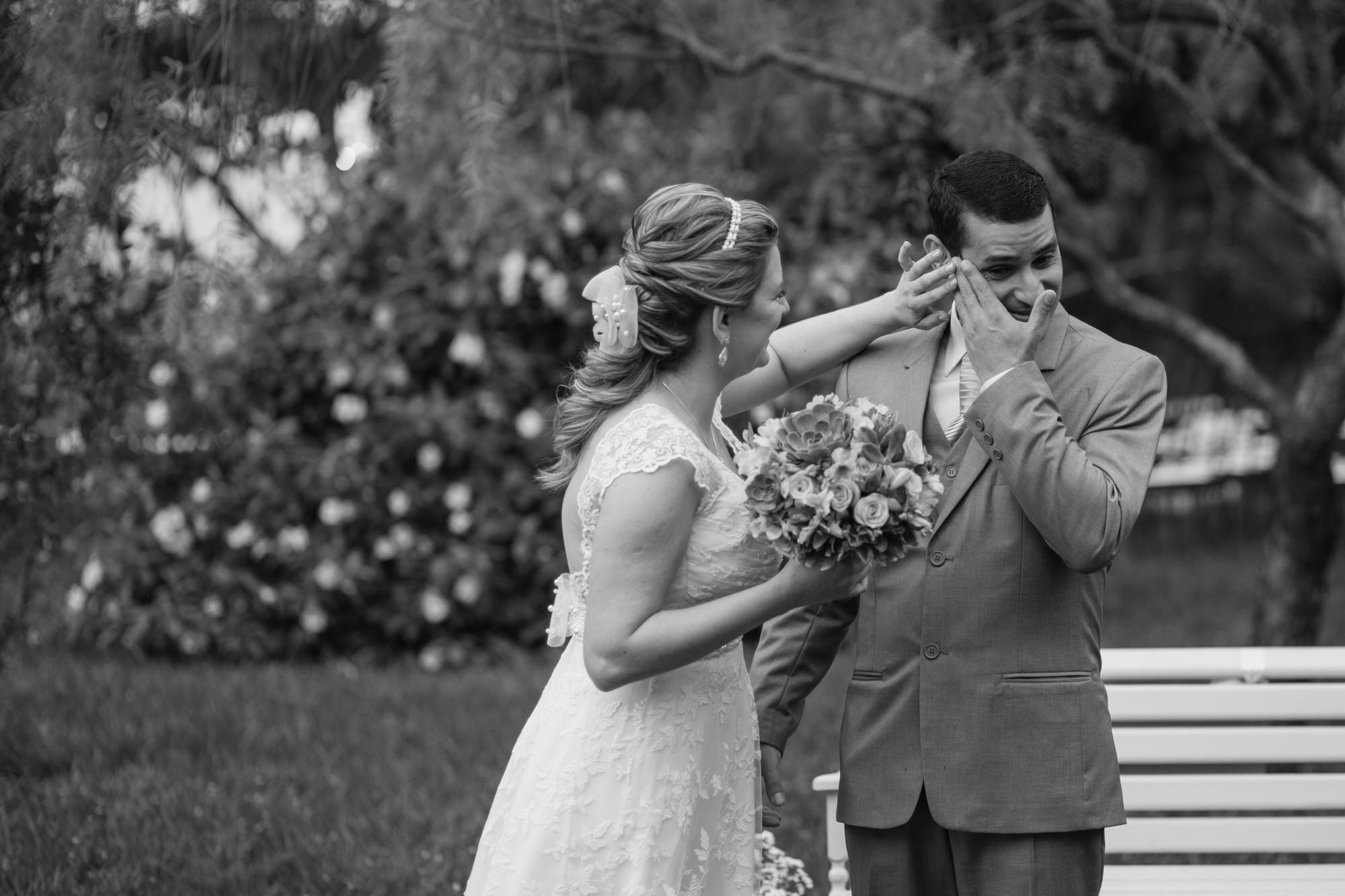 Fabio e Gisele - Casamento em Mundo Novo - MS por Lorran Souza e Léia Sotile - fotografo de casamentos - 00012