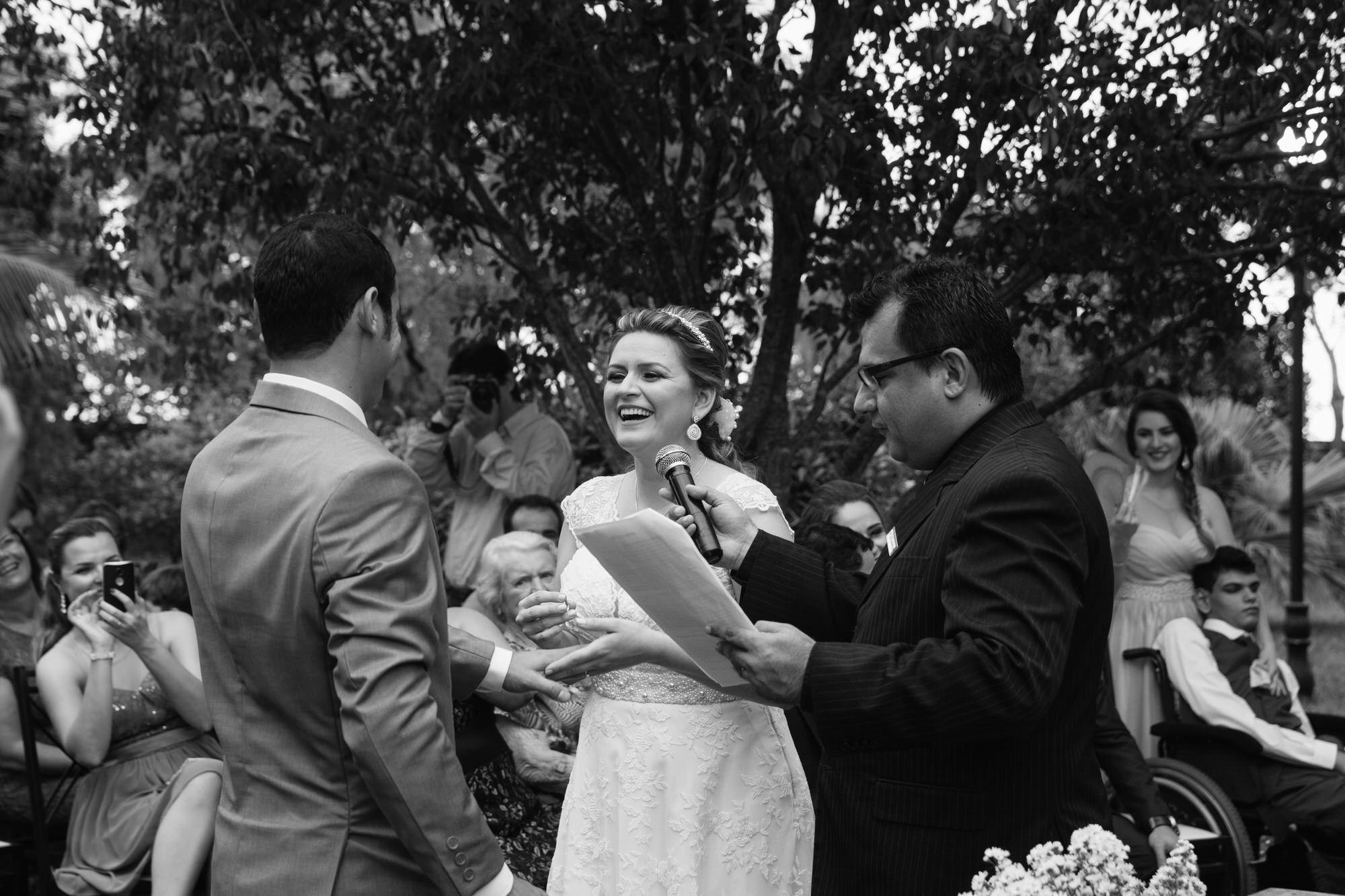 Fabio e Gisele - Casamento em Mundo Novo - MS por Lorran Souza e Léia Sotile - fotografo de casamentos - 00018
