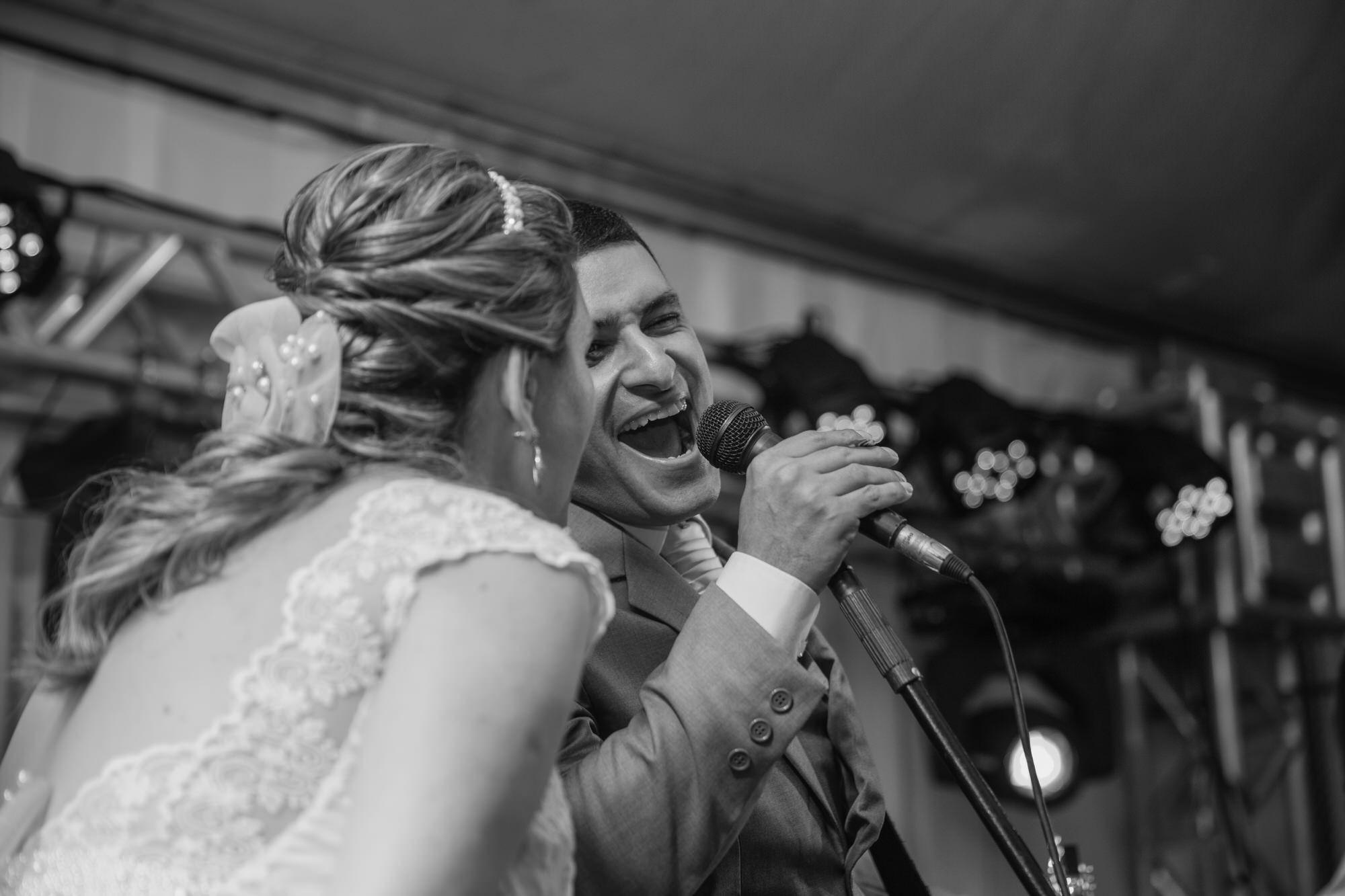 Fabio e Gisele - Casamento em Mundo Novo - MS por Lorran Souza e Léia Sotile - fotografo de casamentos - 00027