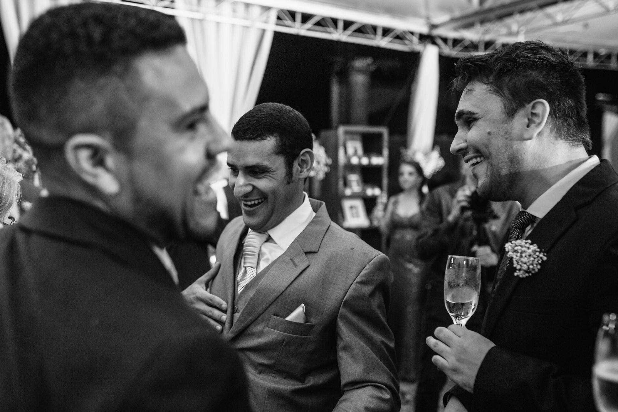 Fabio e Gisele - Casamento em Mundo Novo - MS por Lorran Souza e Léia Sotile - fotografo de casamentos - 00029