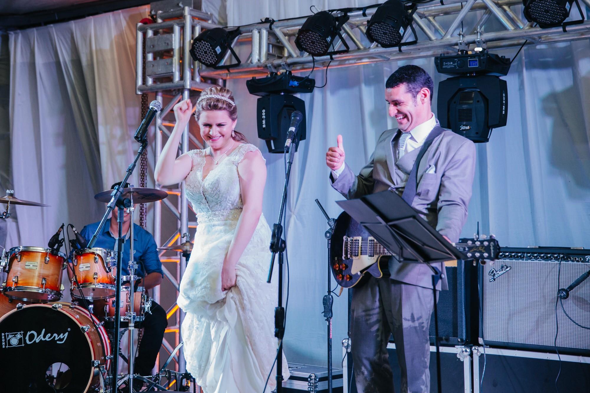 Fabio e Gisele - Casamento em Mundo Novo - MS por Lorran Souza e Léia Sotile - fotografo de casamentos - 00032