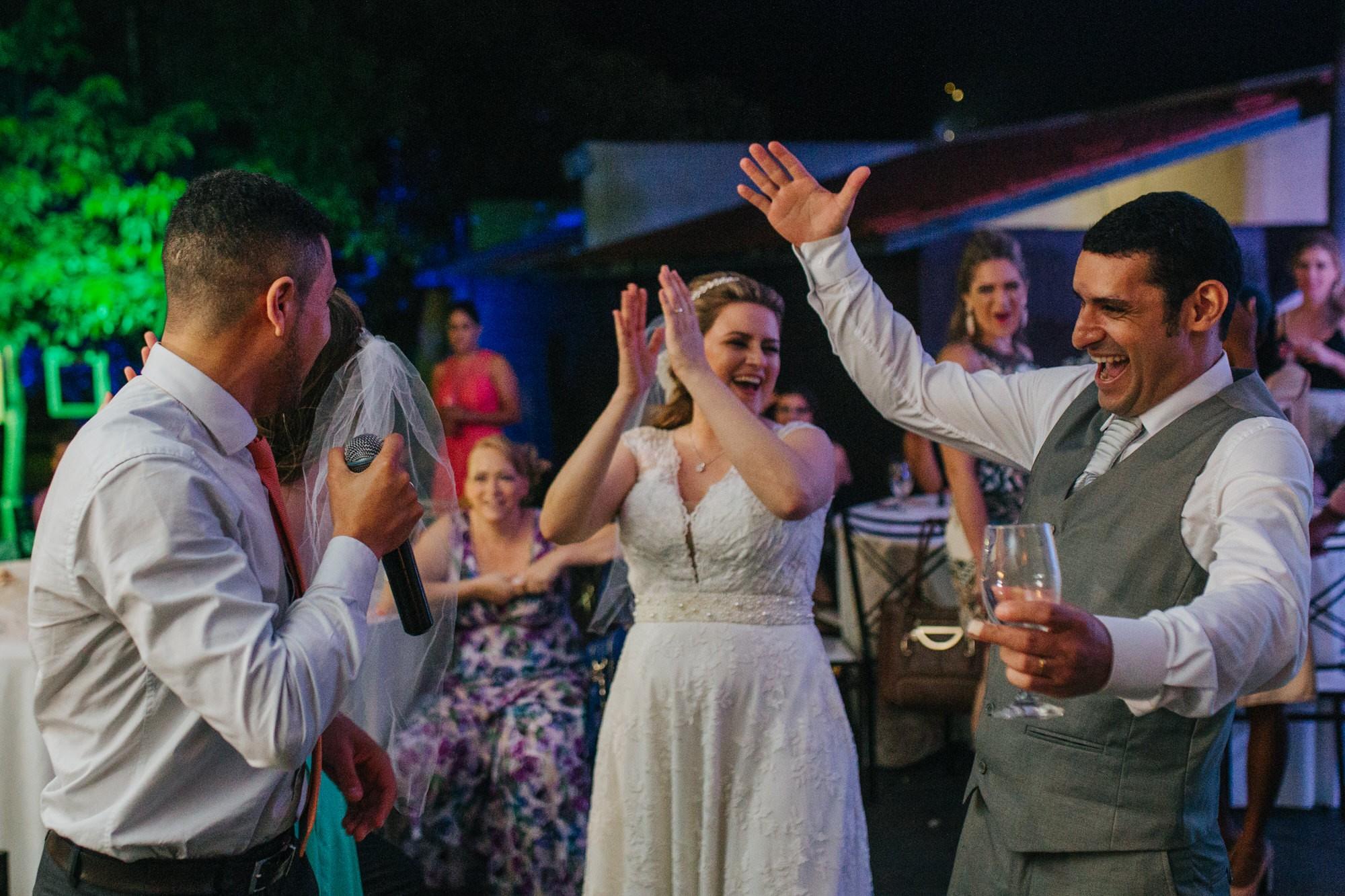 Fabio e Gisele - Casamento em Mundo Novo - MS por Lorran Souza e Léia Sotile - fotografo de casamentos - 00035