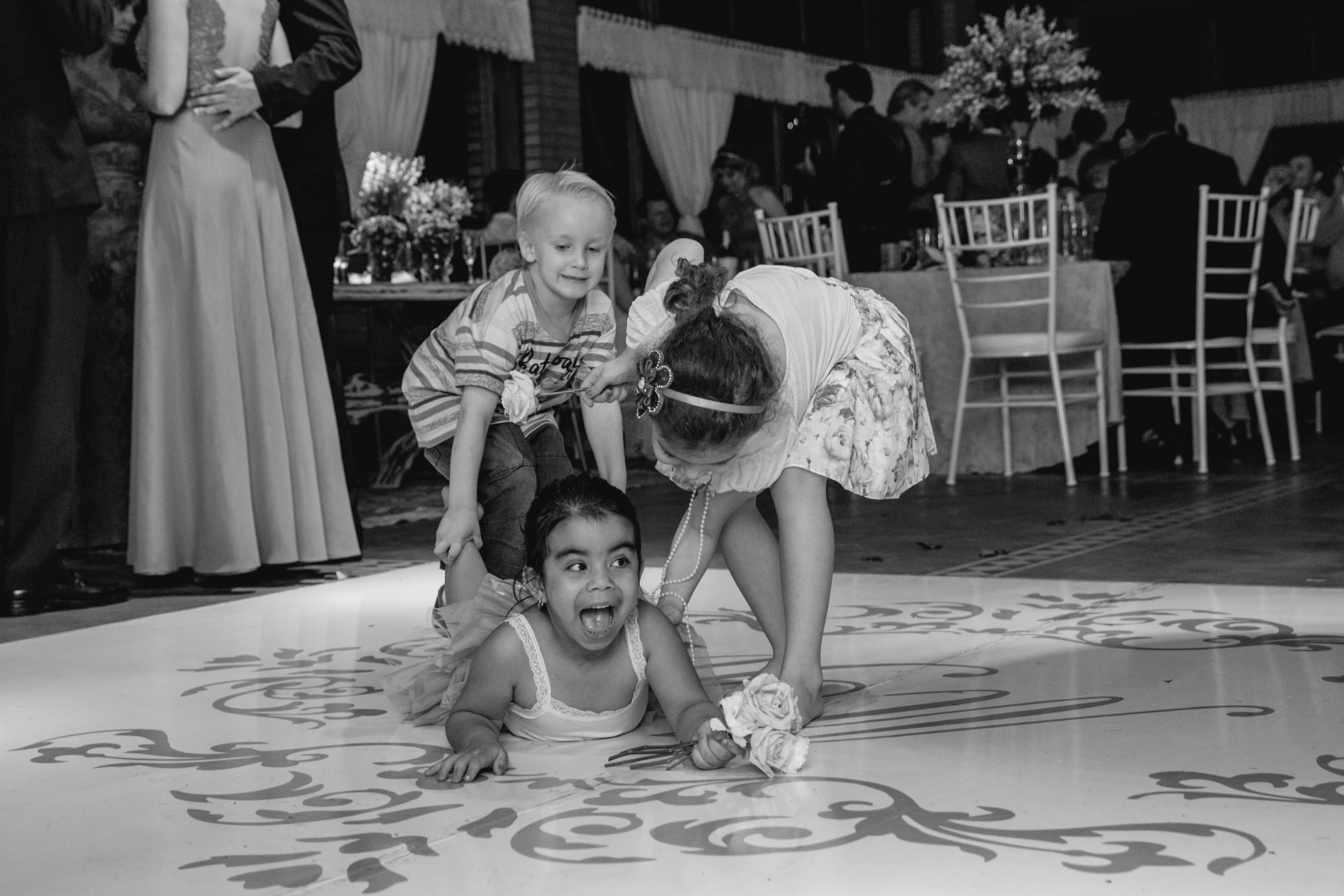 Maiara Kuki e Ricardo - Casamento em Palotina - PR por Lorran Souza e Léia Sotile - fotografo de casamentos00025