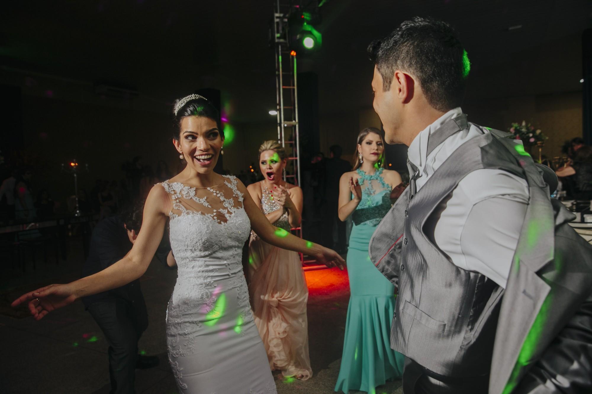 Casamento Camila Rampim e Rafael em Terra Roxa - Paraná - por Lorran Souza e Léia Sotile - fotografos de casamentos - 79