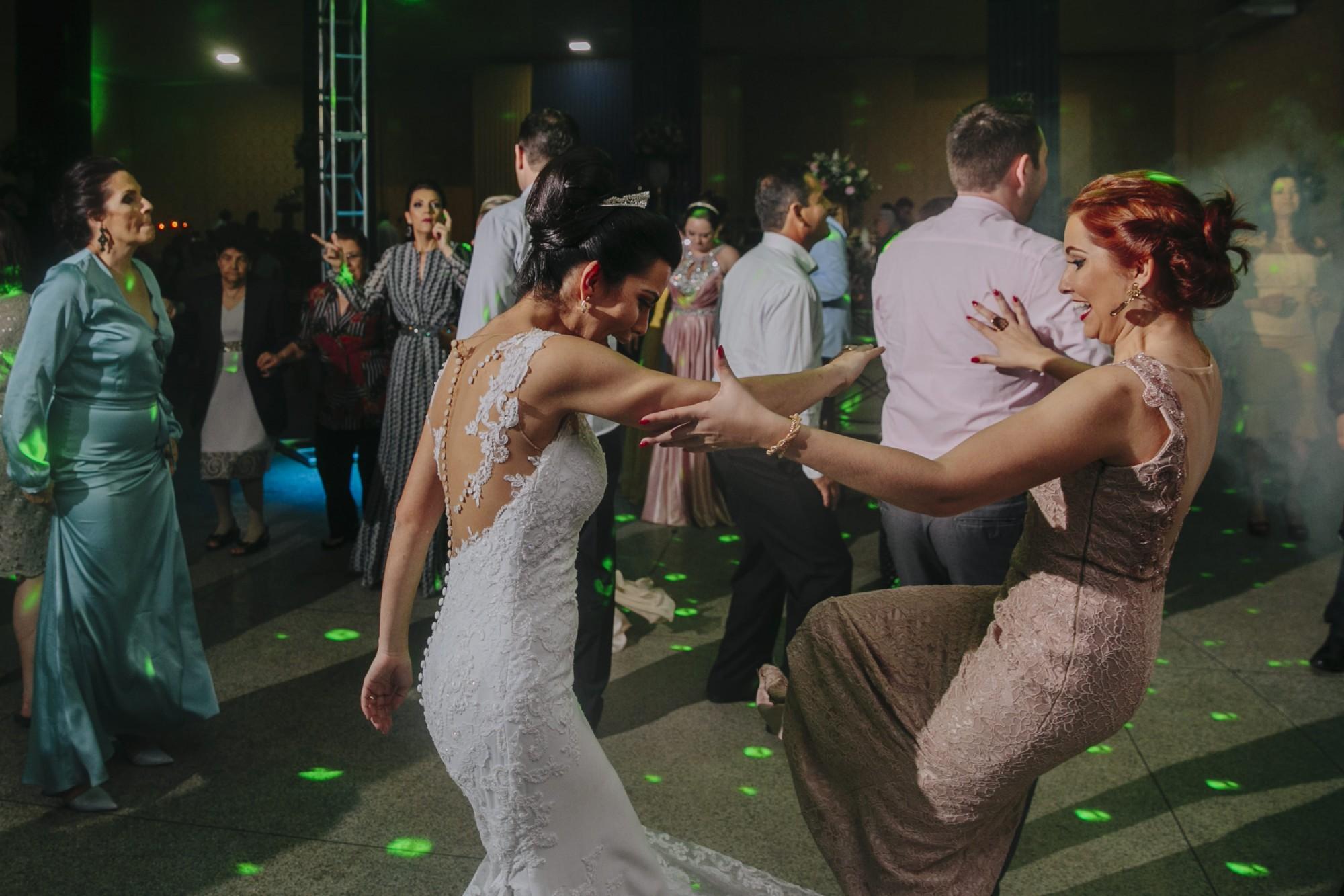 Casamento Camila Rampim e Rafael em Terra Roxa - Paraná - por Lorran Souza e Léia Sotile - fotografos de casamentos - 81