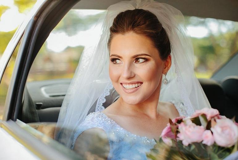 De Terra Roxa Paraná, Lorran Souza e Léia Sotile estão entre os melhores fotógrafos do Brasil, espalhando emoção através de imagens inspiradoras dos noivos.