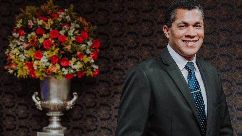 Vilson Santos - Cerimonialista de casamentos da cidade de toledo parana